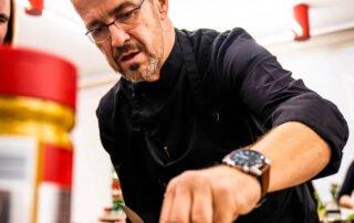 Boštjan Palčič med kuhanjem v kulinaričnem centru Gastrofuzija