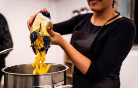 kuharski team building in kuharski tečaji za izboljšane odnose