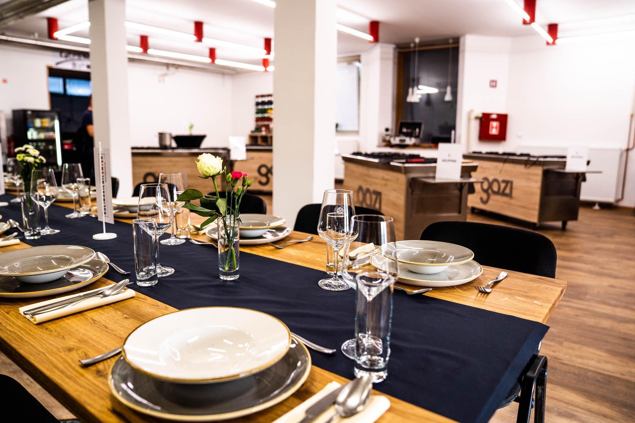 Uživamo ob pogledu na novi gastrofuzija kulinarični center