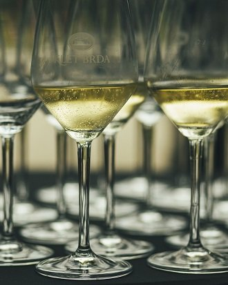 vzorci belega vina - vinska klet brda - ideje za darilo